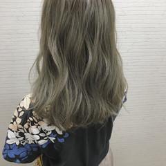 インナーカラー 切りっぱなし 外国人風 イルミナカラー ヘアスタイルや髪型の写真・画像