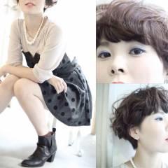 モード ウェーブ ナチュラル 秋 ヘアスタイルや髪型の写真・画像