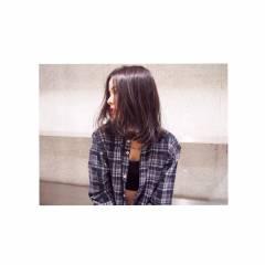 センターパート ウェットヘア ロング 暗髪 ヘアスタイルや髪型の写真・画像