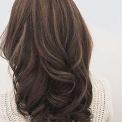 くすみカラー セミロング アッシュ 外国人風 ヘアスタイルや髪型の写真・画像