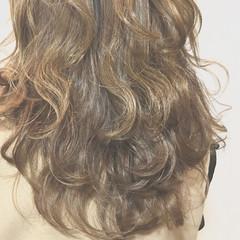 ナチュラル 外国人風 ブラウンベージュ ハイライト ヘアスタイルや髪型の写真・画像
