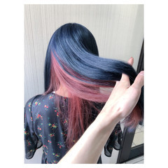 フェミニン ネイビー アンニュイほつれヘア インナーカラー ヘアスタイルや髪型の写真・画像