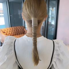 ベージュ ヘアアレンジ 紐アレンジ ミルクティーベージュ ヘアスタイルや髪型の写真・画像