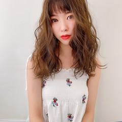 セミロング ヌーディーベージュ シースルーバング  ヘアスタイルや髪型の写真・画像