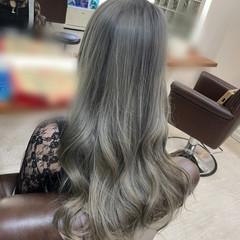 髪質改善トリートメント ロング シルバー モード ヘアスタイルや髪型の写真・画像