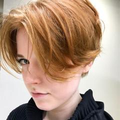 ジェンダーレス かっこいい ダブルカラー オレンジ ヘアスタイルや髪型の写真・画像