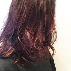 ストリート ミディアム ハイライト フェミニン ヘアスタイルや髪型の写真・画像