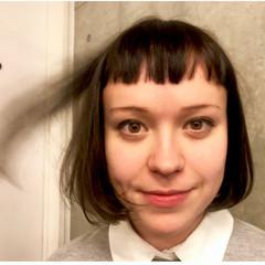 ブラントカット ナチュラル 70年代 ストレート ヘアスタイルや髪型の写真・画像
