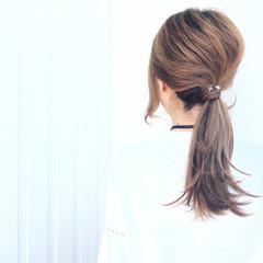 ローポニーテール ポニーテール 外ハネ 簡単ヘアアレンジ ヘアスタイルや髪型の写真・画像