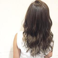 外国人風 ハイライト セミロング アッシュ ヘアスタイルや髪型の写真・画像