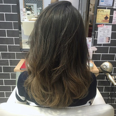 グレージュ グラデーションカラー ストリート バレイヤージュ ヘアスタイルや髪型の写真・画像