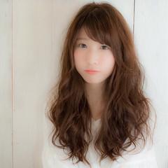 ロング ゆるふわ ガーリー 前髪あり ヘアスタイルや髪型の写真・画像