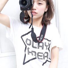外国人風 涼しげ ワイドバング ストリート ヘアスタイルや髪型の写真・画像
