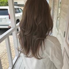 グレージュ オリーブカラー ハイライト ベージュ ヘアスタイルや髪型の写真・画像