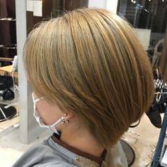 ブリーチカラー ブリーチ必須 シルバー ガーリー ヘアスタイルや髪型の写真・画像