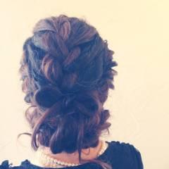 フェミニン ヘアアレンジ 編み込み 波ウェーブ ヘアスタイルや髪型の写真・画像