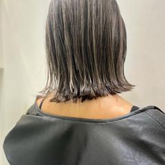グレージュ ボブ 切りっぱなしボブ ミニボブ ヘアスタイルや髪型の写真・画像