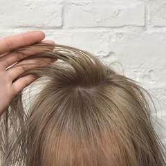ベージュ ガーリー ミルクティーベージュ ハイトーンカラー ヘアスタイルや髪型の写真・画像