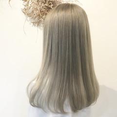 ブリーチ必須 ホワイトシルバー ホワイトグレージュ ストリート ヘアスタイルや髪型の写真・画像