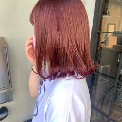 ピンクヘア ナチュラル ロブ ピンクバイオレット ヘアスタイルや髪型の写真・画像