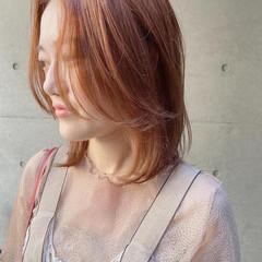 ウルフカット レイヤースタイル ミディアムレイヤー レイヤーカット ヘアスタイルや髪型の写真・画像