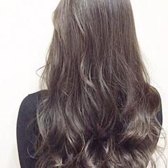 外国人風 上品 アッシュ 大人かわいい ヘアスタイルや髪型の写真・画像