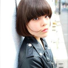 外国人風 グラデーションカラー 大人かわいい 黒髪 ヘアスタイルや髪型の写真・画像