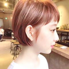 ピンクベージュ ショートボブ ショート 大人ショート ヘアスタイルや髪型の写真・画像