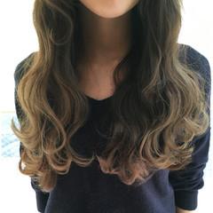 波ウェーブ イルミナカラー ヘアアレンジ ロング ヘアスタイルや髪型の写真・画像