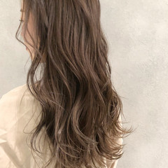 ロング ベージュ ヌーディベージュ アッシュベージュ ヘアスタイルや髪型の写真・画像
