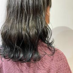 ナチュラル ミディアム ヘアスタイルや髪型の写真・画像