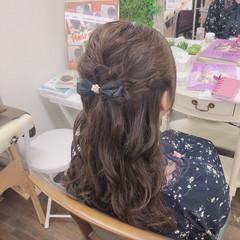 ハーフアップ フェミニン ゆるふわセット 巻き髪 ヘアスタイルや髪型の写真・画像