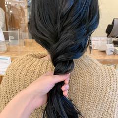 ロングヘア ネイビーカラー ネイビー 艶髪 ヘアスタイルや髪型の写真・画像
