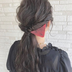 フェミニン ヘアアレンジ ロング 波ウェーブ ヘアスタイルや髪型の写真・画像