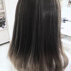 小顔 アッシュ グラデーションカラー 大人かわいい ヘアスタイルや髪型の写真・画像