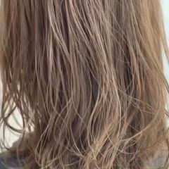 ベージュ ナチュラルベージュ カーキ カーキアッシュ ヘアスタイルや髪型の写真・画像