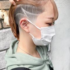 切りっぱなしボブ ストリート 刈り上げ女子 スキンフェード ヘアスタイルや髪型の写真・画像