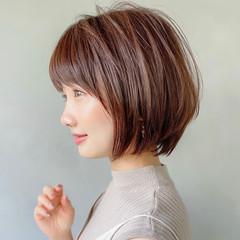 切りっぱなしボブ ミニボブ インナーカラー ショートボブ ヘアスタイルや髪型の写真・画像