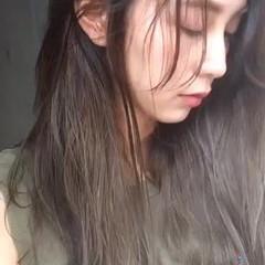 カーキアッシュ ロング フェミニン 透明感 ヘアスタイルや髪型の写真・画像