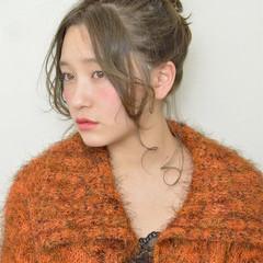 ヘアアレンジ こなれ感 セミロング 小顔 ヘアスタイルや髪型の写真・画像