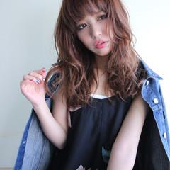 大人女子 フェミニン イルミナカラー セミロング ヘアスタイルや髪型の写真・画像