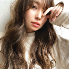 小顔ヘア グレージュ ロングヘア デジタルパーマ ヘアスタイルや髪型の写真・画像