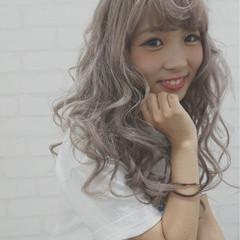 ロング エクステ フェミニン ハイトーン ヘアスタイルや髪型の写真・画像