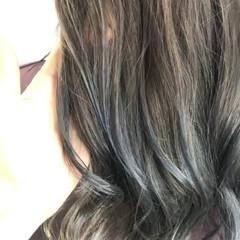 アッシュベージュ ミルクティーベージュ ナチュラル グラデーション ヘアスタイルや髪型の写真・画像