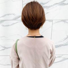 絶壁カバー 小顔ヘア ショート オフィス ヘアスタイルや髪型の写真・画像