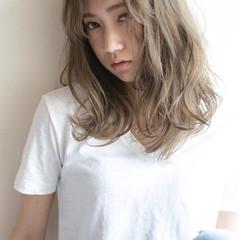 アッシュ 外国人風 セミロング ナチュラル ヘアスタイルや髪型の写真・画像
