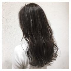 グレージュ イルミナカラー 上品 外国人風カラー ヘアスタイルや髪型の写真・画像