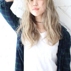 ハイライト 金髪 外国人風 ロング ヘアスタイルや髪型の写真・画像