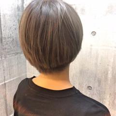 アッシュグレージュ ショート 外国人風カラー ストリート ヘアスタイルや髪型の写真・画像