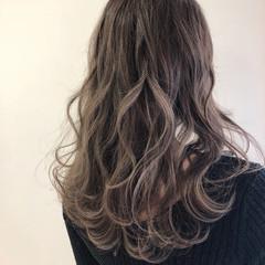 外国人風カラー ハイライト ロング イルミナカラー ヘアスタイルや髪型の写真・画像